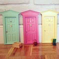 http://www.oui-oui.es/128-1194-thickbox/puerta-ratoncito-perez-clasica-victoriana.jpg