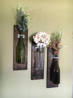 Wine Bottle Wall Vase, sets of home decor, rustic Weinflasche Wandvase, Sätze von Wohnkultur, rustikal Valentine's Day Gift Ideas for Someone Special Wine Bottle Wall, Diy Bottle, Wine Bottle Crafts, Bottle Art, Diy With Wine Bottles, Wine Bottles Decor, Decorative Wine Bottles, Wine Bottle Lanterns, Wine Bottle Garden