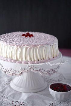 Kirsch- Mascarpone- Torte Ingredients: For the sponge cake: 4 eggs ¾ glass of sugar ½ glass of flour Mascarpone Cake, German Cake, Cake Decorating Designs, French Desserts, Polish Recipes, French Pastries, Cake Ingredients, Sponge Cake, Cake Recipes