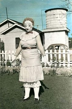 35 Creepy Cool Vintage Halloween Costumes - Team Jimmy Joe