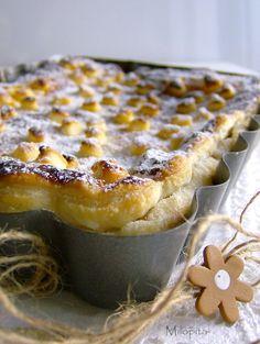 En Guete!!!: Milopita; pastel griego de manzanas Apple Desserts, Apple Recipes, Sweet Recipes, Delicious Desserts, Cake Recipes, Dessert Recipes, Yummy Food, Tortas Light, Cake Cookies