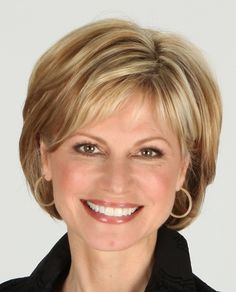 Frisuren Short hair styles Wedding Gifts: Unique And Creative Ideas Choosing wedding gifts is a very Short Hairstyles For Thick Hair, Haircuts For Fine Hair, Short Hair With Layers, Hairstyles Haircuts, Hairdos, Short Haircuts, Hairstyles For Over 50, Short Hair Over 50, Hair Cuts For Over 50