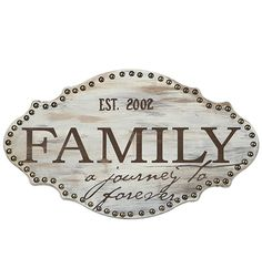 Family plaque :) This is from JoAnn Fabrics & Crafts. Shabby, Crafts To Make, Fun Crafts, Chalk Writing, Decoupage Vintage, Painted Wine Glasses, Wood Plaques, Joann Fabrics, Vintage Labels