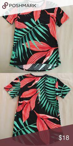 Modern Amusement tropical tee NWOT. All over print, chest pocket, Hi-lo hem. Thanks Modern Amusement Shirts Tees - Short Sleeve