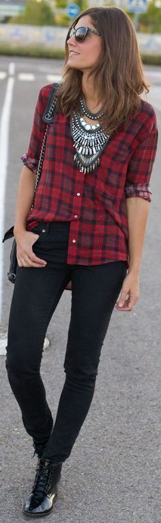 Plaid and statement necklace. The BaubleBabe stylist loves the shirt outside the waist here, she looks breezy and casual.