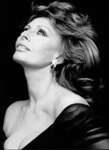 SOPHIA LOREN, if we could all age so well!