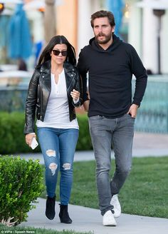 Kourtney Kardashian goes out to dinner with Scott Disick in Calabasas  #dailymail