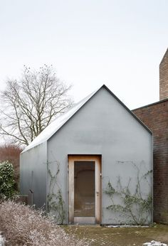 doo wop studio - ampe.trybou architecten Micro House, My House, Interior Architecture, Interior And Exterior, French Architecture, Modern Tiny House, Small Buildings, Garden Studio, Backyard