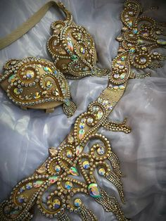 Ideas dancing costumes gold for 2019 Belly Dance Belt, Belly Dance Outfit, Belly Dancers, Burlesque Costumes, Belly Dance Costumes, Dance Outfits, Dance Dresses, Carribean Carnival Costumes, Bling Bra