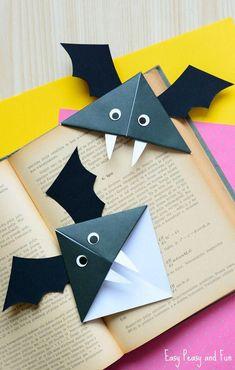 DIY Bat Corner Bookmarks - Halloween Crafts - Easy Peasy and Fun Diy Paper Crafts diy halloween paper crafts Fall Paper Crafts, Halloween Paper Crafts, Manualidades Halloween, Halloween Tags, Diy Paper, Haloween Craft, Paper Bat, Halloween Makeup, Christmas Crafts