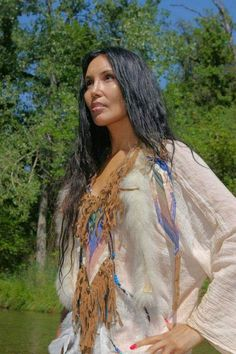 Native American Survival Techniques that withstand the test of time for of years and able to face every obstacles nature tossed at them. The thorough overview to teaching you hunting,fishing, fighting, making survival tools, medical treatments and more. Native American Models, Native American Images, Native American Beauty, Native American History, American Indian Girl, American Indians, American Symbols, American War, Native Girls