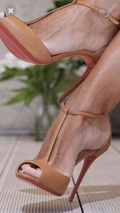 238 Best Shoes images | Shoes, Me too shoes, Shoe boots