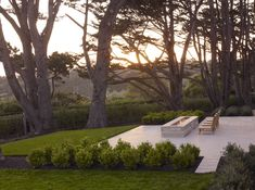 Architects' Roundup: Fire Pits and Outdoor Fireplaces : Gardenista