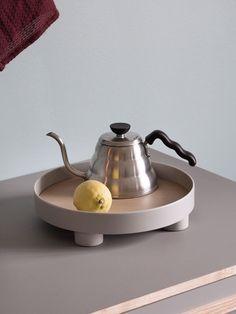 Easy kitchen inspiration with the Platform Tray by Sam Hecht & Kim Colin. Scandinavian design in a simple stilleben.