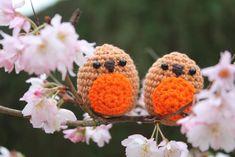 Deze lieve roodborstjes maakte ik eerder deze week. Ze zijn zo makkelijk te maken, maar oh zo schattig! Vandaag deel ik het patroon met jullie! I made these sweet robins ...