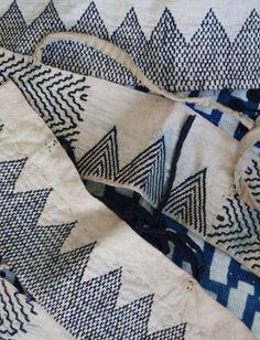 batixa:  (via textile treasury / DIY Inspiration-sashiko stitched akutogake or heel guards.)