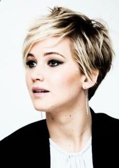 Cool short pixie ombre hairstyle ideas 32