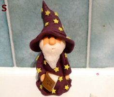 gumpaste wizard figurine step by step - For all your cake decorating supplies, please visit http://www.craftcompany.co.uk/