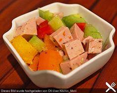Wurstsalat mit Paprika und Salatgurke