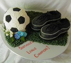 Buttercream soccer ball and shoes Soccer Treats, Sweet Bakery, Bakery Cafe, Soccer Ball, Sweets, Football, Cakes, Soccer, Football Awards