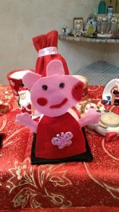 Pupazzo di neve peppa pig con pannolenci e materiale creativo