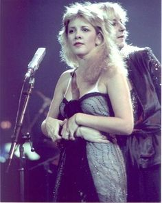 She is soooo young and beautiful here. What would my world be w/o some Stevie?