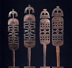 Tent poles from the Tuareg people of Mali. Arte Tribal, Tribal Art, African Masks, African Art, Tuareg People, African Interior, Tent Poles, Metal Clay, North Africa