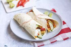 Shoarma wraps met kip - in 20-25 minuten klaar! - Lekker en Simpel Shawarma, Healthy Diners, Wraps, A Food, Sandwiches, Mexican, Lunch, Healthy Recipes, Snacks