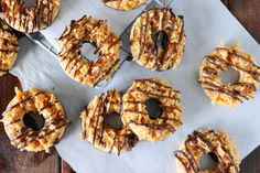 Make your own homemade Samoas (just like the Girl Scouts) with this how to from Food.com.