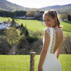 CHARLY A. - Marie Laporte - Robe Léana Happy Wedding Day, Collection 2017, Amazing Wedding Dress, Glamour, Simple Dresses, Wedding Gowns, Dress Up, Bridal, Boutiques