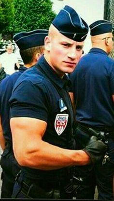 Handsomeness in Uniform Cop Uniform, Men In Uniform, Hunks Men, Hot Hunks, Beautiful Men Faces, Gorgeous Men, Sexy Military Men, Hot Cops, Raining Men
