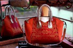 #songket #palembang #indonesia #woman #fashion #bag