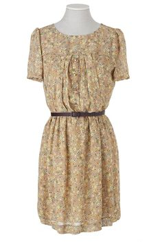 vintage like woah Summer Trends, Short Sleeve Dresses, Vogue, Euro, Pattern, How To Wear, Stuff To Buy, Romantic, Inspiration