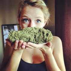 """""""Paradise must smell this way"""", don't you think so? #weed"""
