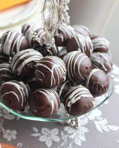 """169 Beğenme, 9 Yorum - Instagram'da Fatma Çelik (@damlacikolata_blog): """"Tamda kahvenin yanına yakışacak ikramlık tramisulu çikolata topları.Eğer sizde benim gibi tramisu…"""""""
