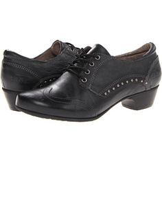 taos Footwear at 6pm. Free shipping, get your brand fix!
