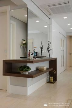 Modern Entryway Ideas to Make a Killer First Impression Entryway Decor Ideas Entryway ideas Impression Killer Modern Contemporary Interior Design, Contemporary Furniture, Luxury Furniture, Modern Interior, Furniture Design, Contemporary Office, Contemporary Architecture, Rustic Contemporary, Outdoor Furniture