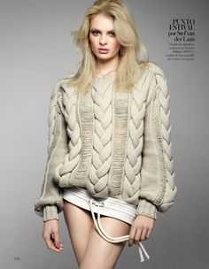 Big chunky cable knit by designer Tommy Hilfiger 2013 made out of cotton and cashmere. These cables are a thing of beauty!