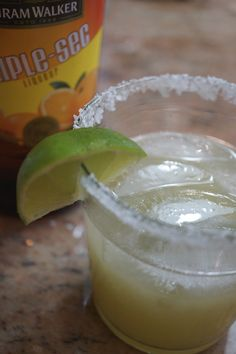 The Best Margarita Recipe Ever! After trying at least a dozen recipes online I have come up with the perfect margarita. Best Margarita Recipe, Perfect Margarita, Margarita Recipes, Beach Drinks, Fun Drinks, Mixed Drinks, Beverages, Marg Recipe, Best Chocolate Chip Cookie
