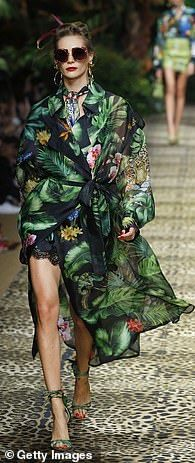 Totally tropical at Dolce & Gabbana... Combat Pants, Tough Girl, Looking Gorgeous, Summer Wardrobe, Printed Shorts, Pyjamas, Wide Leg Pants, Lounge Wear, Cool Style