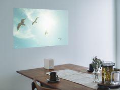 家が狭くても、壁も天井も床も机の上もどこでも投写できちゃう。 ソニーのポータブル超短焦点プロジェク...