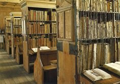 The last of the great, chain libraries