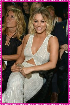Gorgeous: The Big Bang Theory's Kaley Cuoco sat in the audience after playing presenter earlier in the evening Kaley Cuoco, Beautiful Celebrities, Beautiful Actresses, Gorgeous Women, Big Bang Theory, Teenager, Kanye West, Bigbang, American Actress