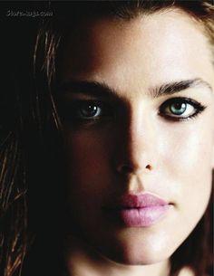 Vogue Paris Setembro 2011 por Mario Testino - A realeza