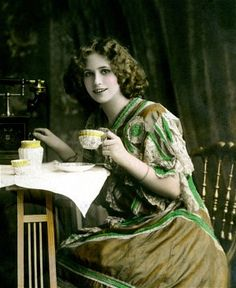 Tea and other famous food trends in British history