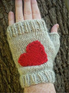 6 Knit and Crochet Valentine's Day Patterns - Craftfoxes