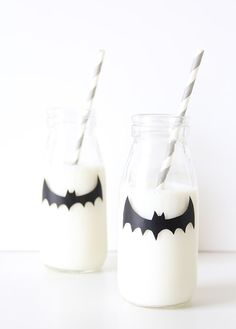 A Monochrome Halloween - 12 Easy DIY's   The Junior