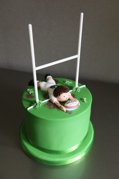 Today is my Dad's birthday! The plan for the cake came from my sister Lauren. She chose a Rugby themed. Birthday Cakes For Men, 60th Birthday Cake For Men, Cakes For Boys, Birthday Recipes, Rugby Cake, Dad Cake, Sport Cakes, Themed Cakes, Design Products