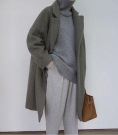 Autumn - Fall - Winter - September - Fashion - Inspiration - Poem - Thoughts - O. Look Fashion, Korean Fashion, Fashion Outfits, Fashion Trends, Fashion Mode, Cheap Fashion, Fall Fashion, Elegantes Outfit Frau, Winter Outfits