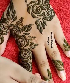 Basic Mehndi Designs, Henna Tattoo Designs Simple, Rose Mehndi Designs, Khafif Mehndi Design, Latest Henna Designs, Back Hand Mehndi Designs, Henna Art Designs, Mehndi Designs For Girls, Mehndi Designs For Beginners